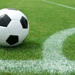 Campo da calcio con pallone